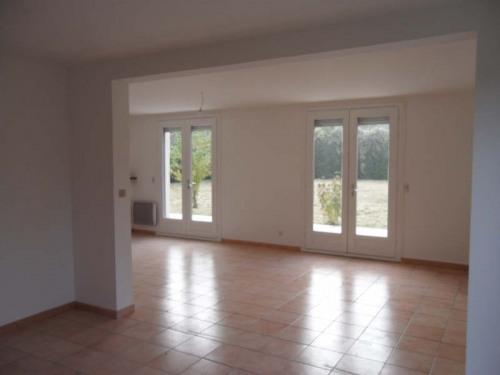 Location - Maison / Villa 8 pièces - 180 m2 - Feucherolles - Photo
