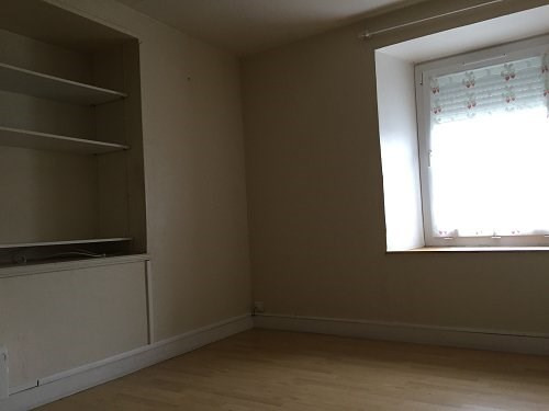 Rental apartment Bû 500€ CC - Picture 2