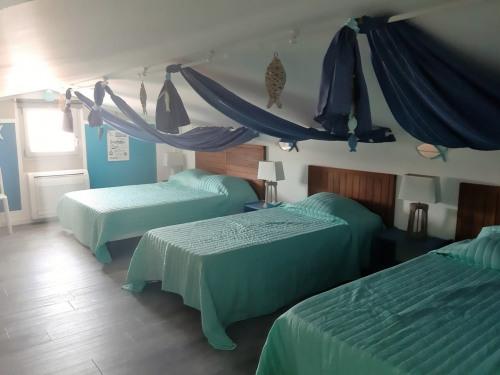 Verkoop van prestige  - villa 4 Vertrekken - 68 m2 - Sainte Lucie de Porto Vecchi - Photo