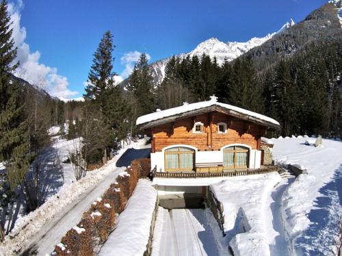 Vente - Chalet 7 pièces - 380 m2 - Chamonix Mont Blanc - Photo