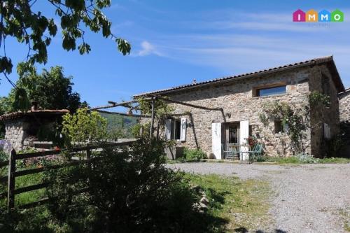 Vente de prestige - Maison en pierre 13 pièces - 315 m2 - Jaujac - Photo