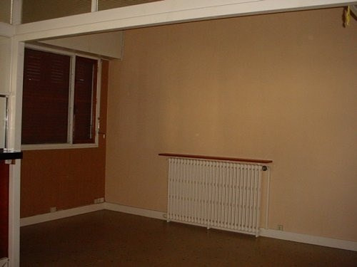 Rental office Chateaubernard 300€ CC - Picture 1