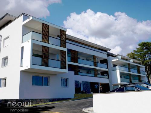 Vente - Appartement 4 pièces - 95,1 m2 - Gex - Photo