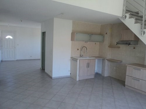 Rental apartment Chateauneuf les martigue 865€ CC - Picture 3