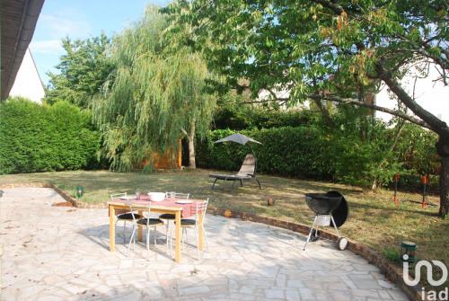 Vente - Villa 5 pièces - 105 m2 - Marolles en Brie - Photo