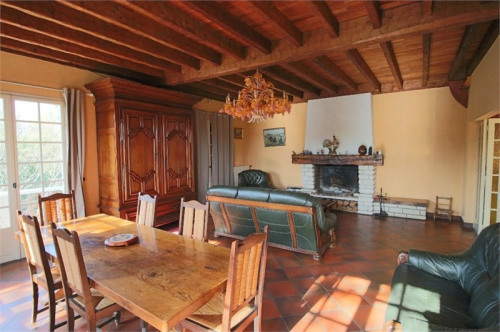 Vente - Maison traditionnelle 6 pièces - 180 m2 - Vayres - Photo