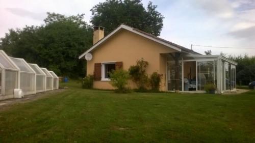Vente - Maison / Villa 4 pièces - 75 m2 - Saint Martin en Bresse - Photo