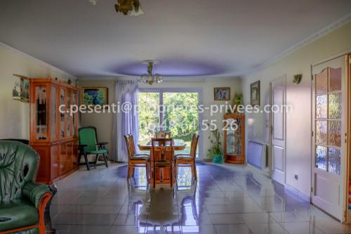Verkauf von Luxusobjekt - Anwesen 7 Zimmer - 192 m2 - Bussy Saint Georges - Photo