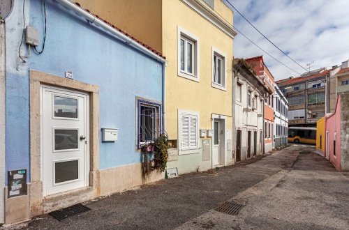 Sale - Villa 5 rooms - 90 m2 - Póvoa de Lisboa - Photo