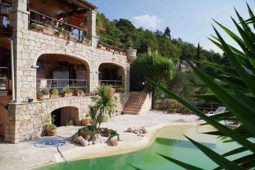 Deluxe sale - Property 10 rooms - 270 m2 - Spéracèdes - Photo
