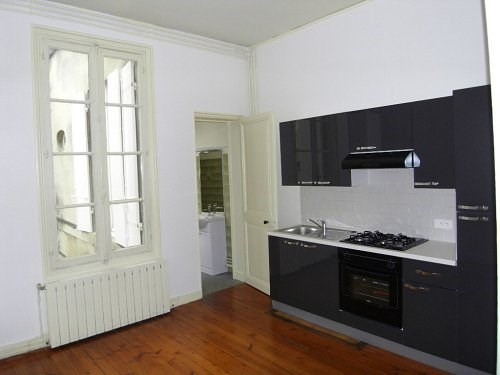 Location appartement Cognac 541€ CC - Photo 2