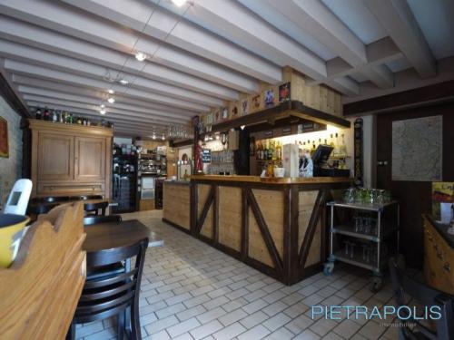 Vente - Demeure 15 pièces - 522 m2 - Lons le Saunier - Photo