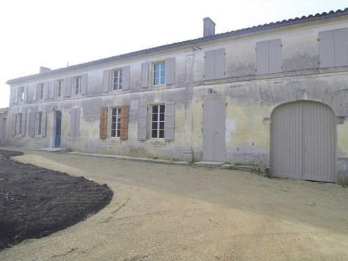 Location maison / villa Entre cognac et burie 917€ CC - Photo 1