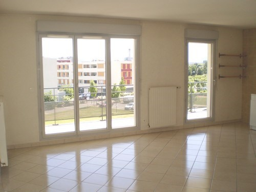 Location appartement Saint martin d heres 840€ CC - Photo 1