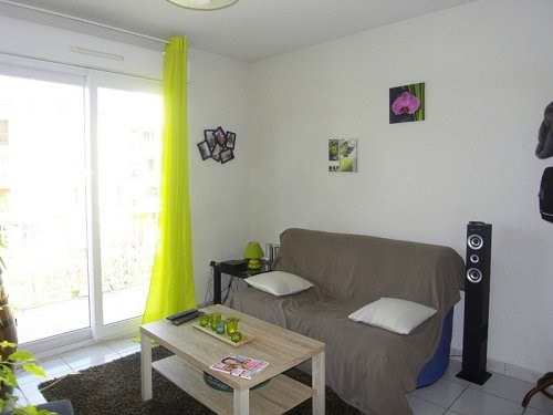 Rental apartment Cognac 342€ CC - Picture 2