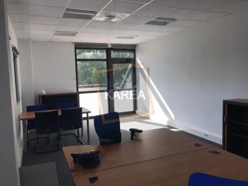 Rental - Office - 39 m2 - Serris - Photo