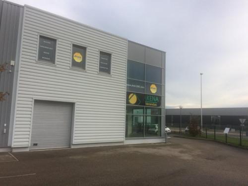 Verhuren  - Werkplaats - 188 m2 - Arnas - Photo
