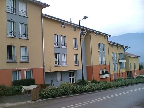 Location appartement Goncelin 799€ CC - Photo 1