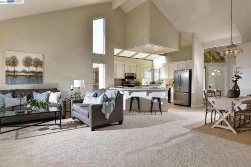 Venta  - Edificio - 124,95 m2 - Pleasanton - Photo