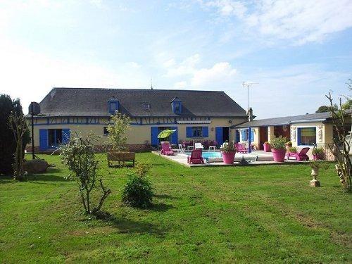 Sale house / villa Formerie 347500€ - Picture 1