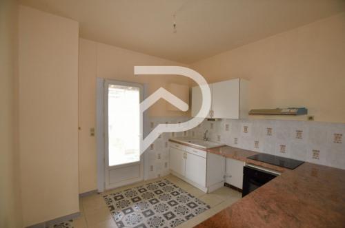 Sale - House / Villa 3 rooms - 60 m2 - Nîmes - Photo