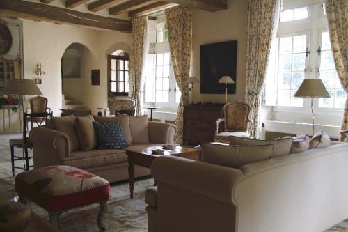 Vente de prestige - Château 13 pièces - 650 m2 - Neuillé Pont Pierre - Photo