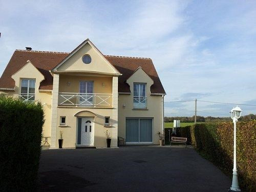 Sale house / villa Formerie 230 000€ - Picture 1
