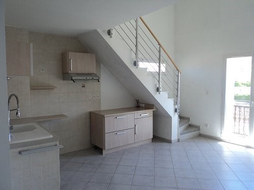 Rental apartment Chateauneuf les martigue 865€ CC - Picture 1