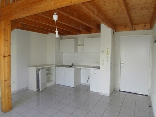 Rental apartment Cognac 406€ CC - Picture 1