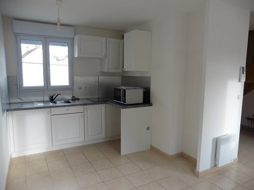 Location maison / villa Bu 606€ CC - Photo 4
