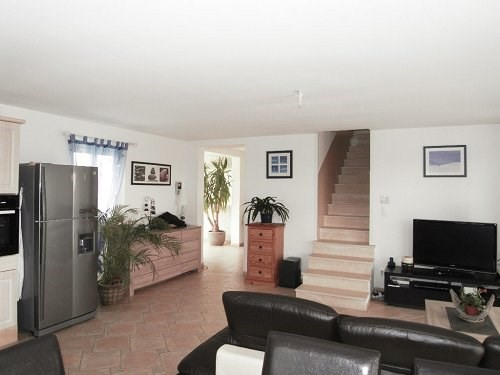 Location maison / villa St meme les carrieres 877€ CC - Photo 3