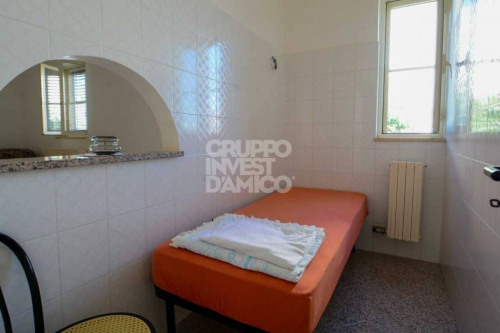 Venta  - villa 7 habitaciones - 192 m2 - Cisternino - Photo