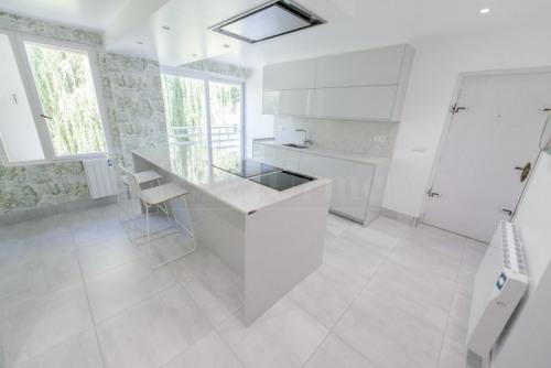 Sale - Duplex 8 rooms - 178 m2 - Hendaye - Photo