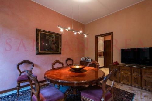 Venta  - villa 10 habitaciones - 700 m2 - Milán - Photo