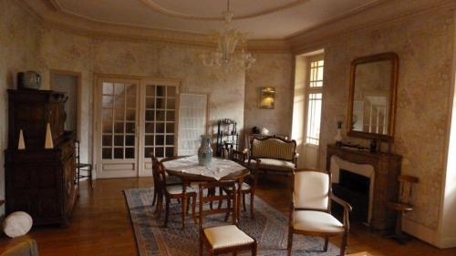 Vente - Maison de ville 9 pièces - 250 m2 - Cuisery - Photo