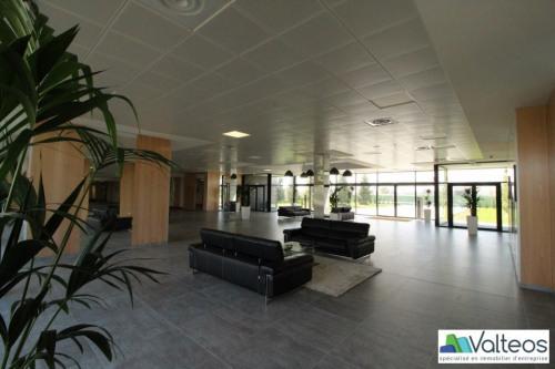Rental - Office - 61 m2 - Jossigny - Photo