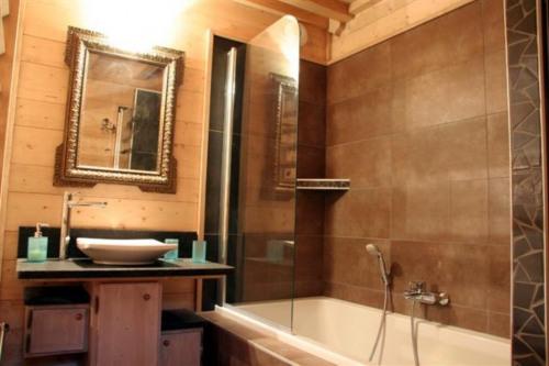 Location - Chalet 7 pièces - 208 m2 - Samoëns - Photo