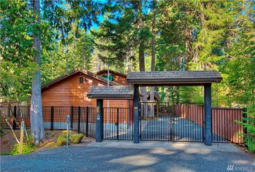 Verkauf - Mietshaus - 143,44 m2 - Hoodsport - Photo