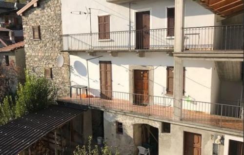 Venta  - villa 5 habitaciones - 260 m2 - Montemezzo - Photo