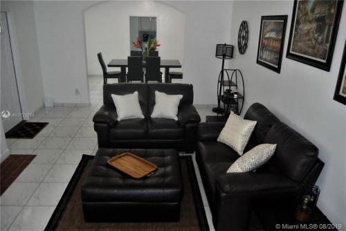 Rental - Miscellaneous - Miami - Photo