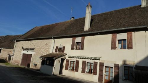Vente - Maison en pierre 6 pièces - 160 m2 - Beaumont sur Grosne - Photo