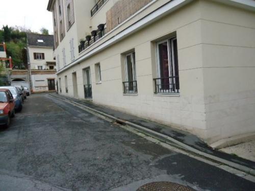 Location - Parking - 11 m2 - Sèvres - Photo