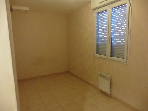 Location maison / villa Bu 606€ CC - Photo 5