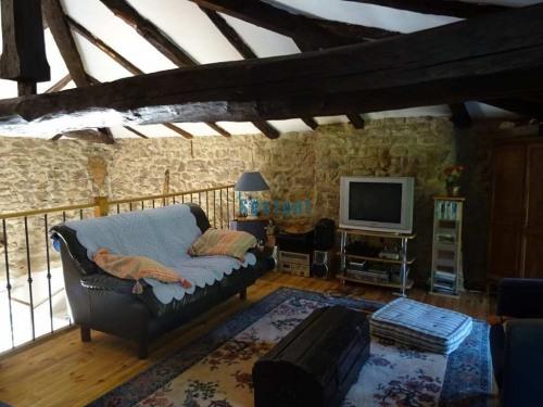 Vente - Maison en pierre 5 pièces - 150 m2 - Olliergues - Photo