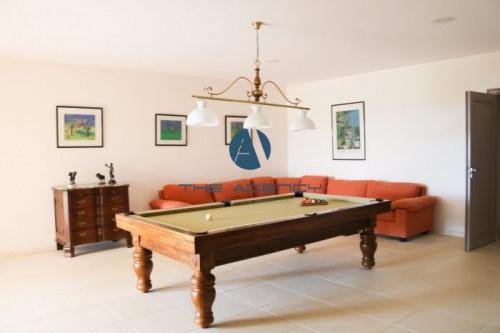 Vente - Villa 8 pièces - 425 m2 - Grimaud - Photo