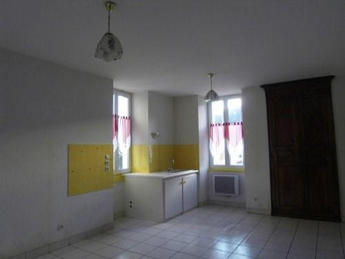 Location appartement Archiac 390€ CC - Photo 4