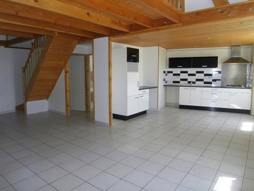 Rental apartment Cognac 567€ CC - Picture 1