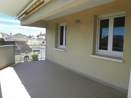Rental apartment Cognac 810€ CC - Picture 1
