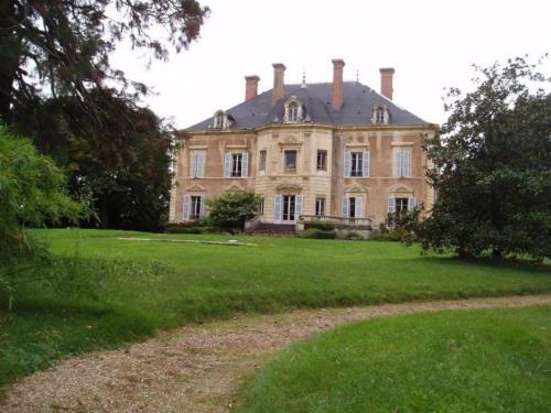 Vente - Château 20 pièces - 700 m2 - Villefranche sur Saône - Photo