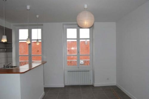 Location - Appartement 2 pièces - 39,08 m2 - Lyon 8ème - Photo